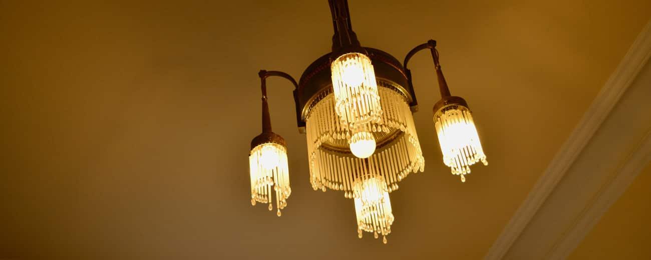 Praxis Behandlungszimmer Lampe